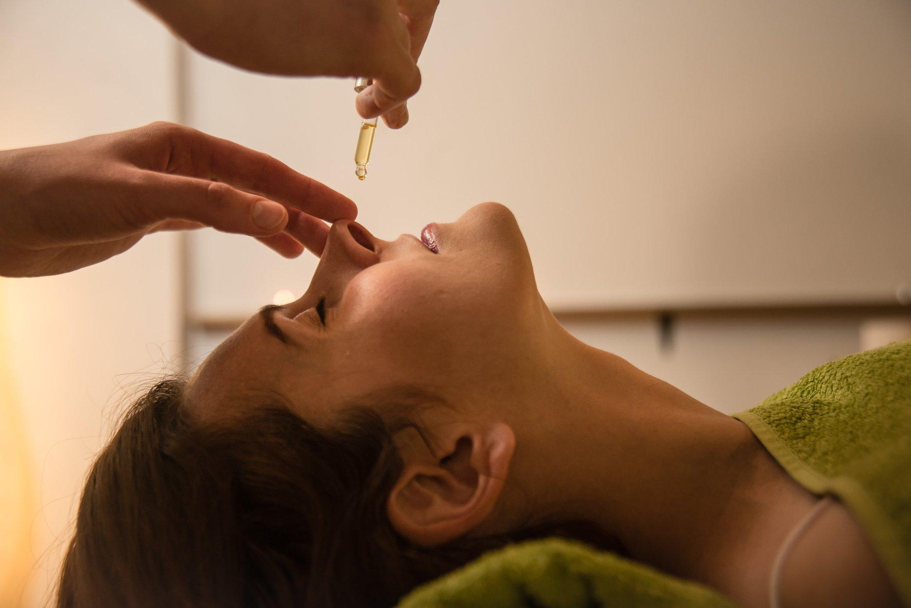 Nasya Ayurvedska terapija za nos i sinuse