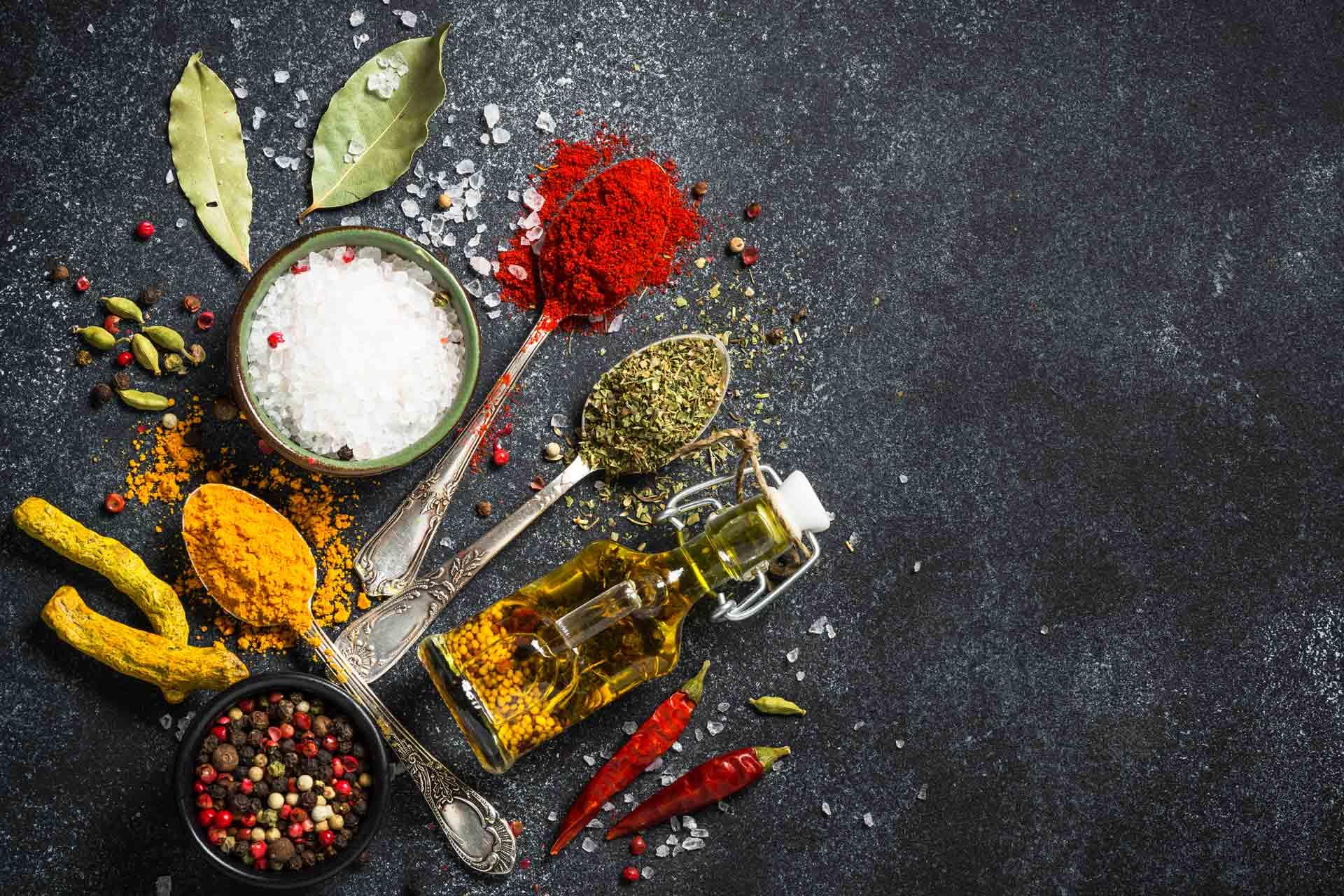 ulja i začini kurkuma i biber prirodni lek za korona virus